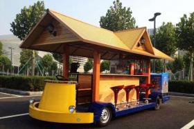"""如风营销:夏季到了,搞一个""""流动酒吧车""""即时尚又赚钱"""